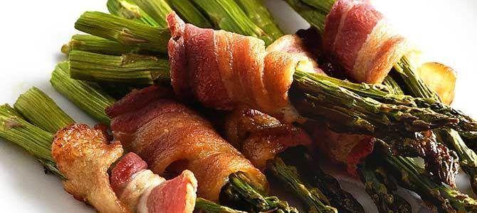 Baconba tekert spárga