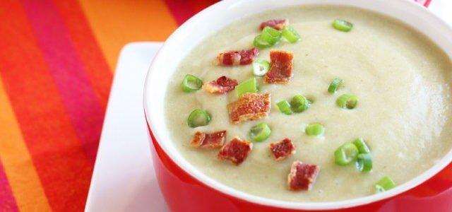 2. Karácsonyi AIP menü – Póréhagymás édesburgonya leves, Lassan sült sertéscomb zöldségpürével, Gránátalmás joghurt